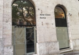 Porta doppia anta con sopraluce via Veneto, Roma