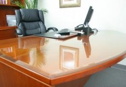 Protezione tavolo in cristallo temperato con bordo bisellato