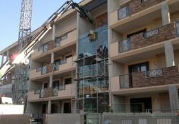 montaggio vetro con autogrù e ventosa, New Glass Roma