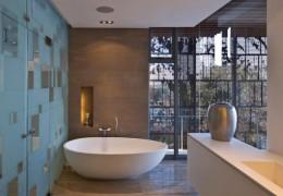 Parete sauna in vetro acidato con inserti a specchio