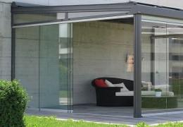 Verande con vetri scorrevoli temperati